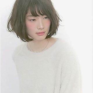 暗髪 フェミニン パーマ ゆるふわ ヘアスタイルや髪型の写真・画像