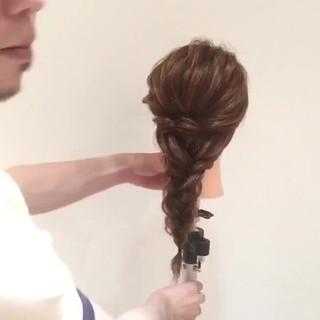 編み込み ヘアアレンジ ロング 波ウェーブ ヘアスタイルや髪型の写真・画像
