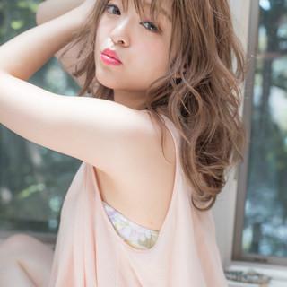 フェミニン デート 外国人風カラー 外国人風フェミニン ヘアスタイルや髪型の写真・画像