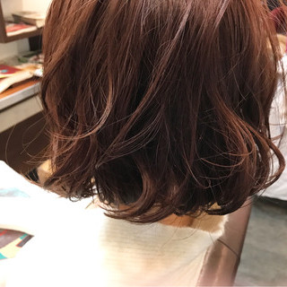 冬 ボブ ラベンダーピンク 色気 ヘアスタイルや髪型の写真・画像