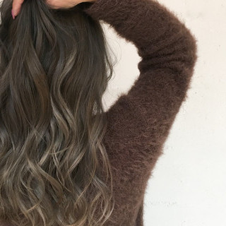 バレイヤージュ ナチュラル グラデーションカラー ハイライト ヘアスタイルや髪型の写真・画像