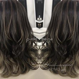 エレガント バレイヤージュ セミロング ダークグレー ヘアスタイルや髪型の写真・画像