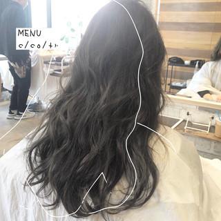 グレージュ 髪質改善 前髪 ナチュラル ヘアスタイルや髪型の写真・画像