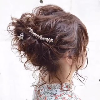 簡単ヘアアレンジ ヘアアレンジ セミロング ナチュラル ヘアスタイルや髪型の写真・画像