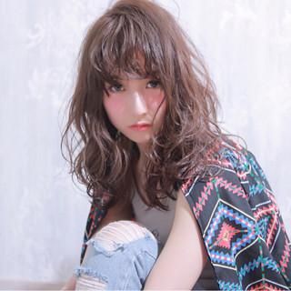 ストリート ウェットヘア ゆるふわ 外国人風 ヘアスタイルや髪型の写真・画像