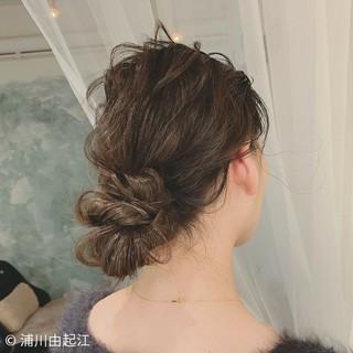 簡単ヘアアレンジ パーティ 大人かわいい ナチュラル ヘアスタイルや髪型の写真・画像