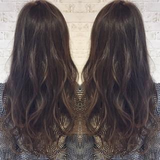 外国人風 暗髪 ロング ナチュラル ヘアスタイルや髪型の写真・画像 ヘアスタイルや髪型の写真・画像