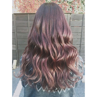 ロング レッド ラベンダーピンク ピンク ヘアスタイルや髪型の写真・画像