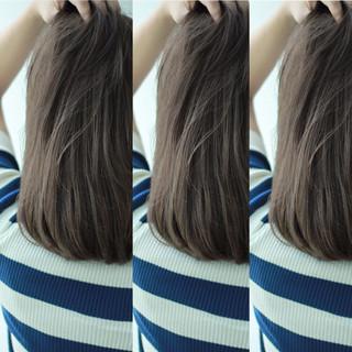 グレージュ アッシュ アッシュグレージュ ストリート ヘアスタイルや髪型の写真・画像
