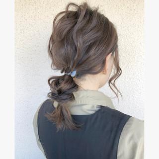 ローポニーテール 編みおろし 簡単ヘアアレンジ セミロング ヘアスタイルや髪型の写真・画像