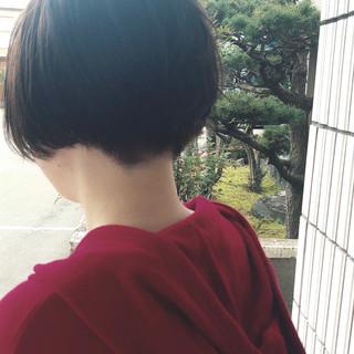 ショート ハンサムショート 小顔ショート モード ヘアスタイルや髪型の写真・画像 ヘアスタイルや髪型の写真・画像