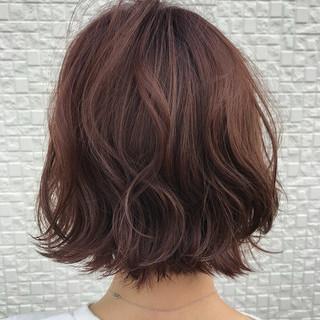 ピンク レッド 外国人風 グラデーションカラー ヘアスタイルや髪型の写真・画像