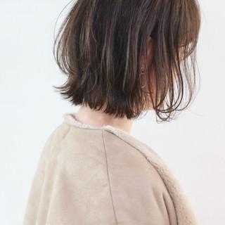 アンニュイほつれヘア フェミニン ボブ 外国人風カラー ヘアスタイルや髪型の写真・画像