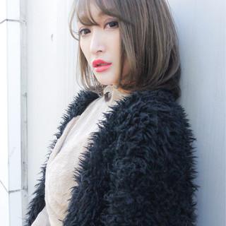 大人かわいい エレガント グレージュ オフィス ヘアスタイルや髪型の写真・画像