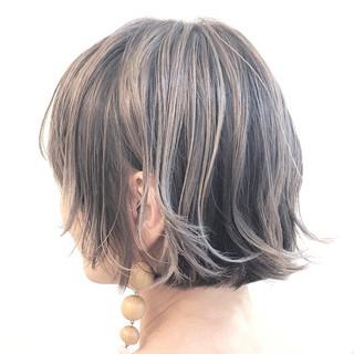 バレイヤージュ ハイライト ナチュラル グレージュ ヘアスタイルや髪型の写真・画像