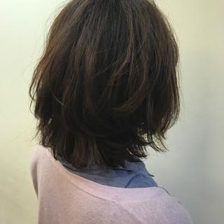 リラックス フェミニン ゆるふわ パーマ ヘアスタイルや髪型の写真・画像