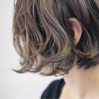 ショートボブ ストリート 色気 大人女子 ヘアスタイルや髪型の写真・画像 ヘアスタイルや髪型の写真・画像