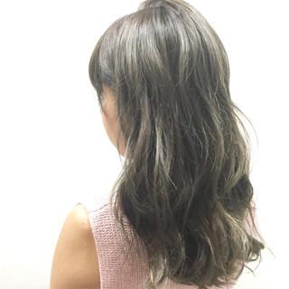 ハイライト アッシュ ガーリー グレージュ ヘアスタイルや髪型の写真・画像