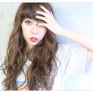 フリンジバング アッシュ ミルクティー ロング ヘアスタイルや髪型の写真・画像