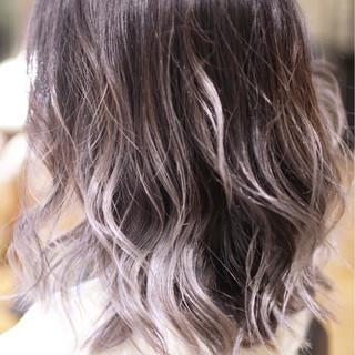 ミディアム ダブルカラー バレイヤージュ 外国人風カラー ヘアスタイルや髪型の写真・画像