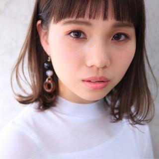 ダブルカラー ミルクティー 外国人風 ナチュラル ヘアスタイルや髪型の写真・画像