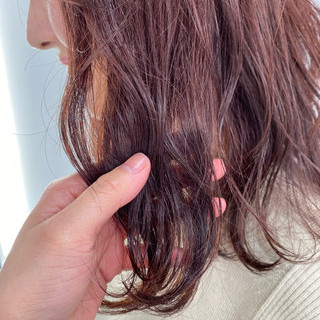 ガーリー ピンクベージュ ピンク セミロング ヘアスタイルや髪型の写真・画像