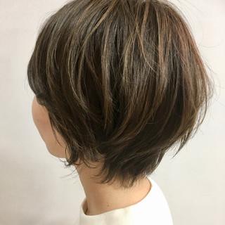 毛先パーマ ハイライト アッシュ ナチュラル ヘアスタイルや髪型の写真・画像