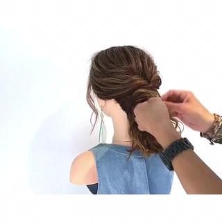 デート 梅雨 簡単ヘアアレンジ エレガント ヘアスタイルや髪型の写真・画像