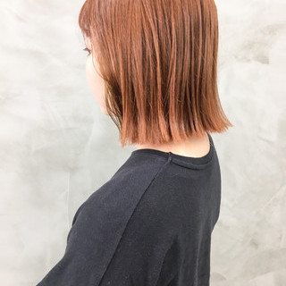 オレンジベージュ アプリコットオレンジ イメチェン ボブ ヘアスタイルや髪型の写真・画像