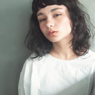 前髪あり 暗髪 大人かわいい 黒髪 ヘアスタイルや髪型の写真・画像