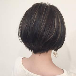 グラデーションカラー ショート ウェットヘア 外国人風 ヘアスタイルや髪型の写真・画像 ヘアスタイルや髪型の写真・画像