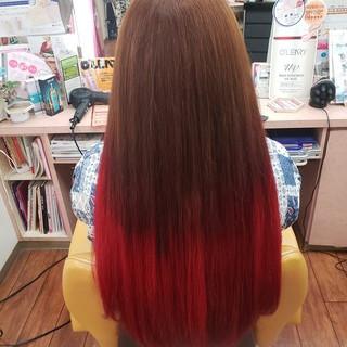 ロング グラデーションカラー レッド エレガント ヘアスタイルや髪型の写真・画像