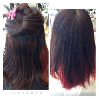 レッド 抜け感 ミディアム グラデーションカラー ヘアスタイルや髪型の写真・画像