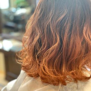フェミニン グラデーションカラー ミディアム ゆるふわ ヘアスタイルや髪型の写真・画像 ヘアスタイルや髪型の写真・画像