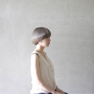ボブ モード シルバー グレー ヘアスタイルや髪型の写真・画像