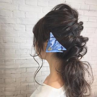 セミロング ヘアアレンジ ナチュラル モテ髪 ヘアスタイルや髪型の写真・画像