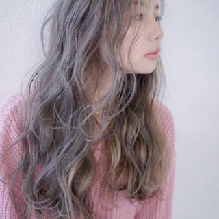 秋 グレージュ ナチュラル 透明感 ヘアスタイルや髪型の写真・画像