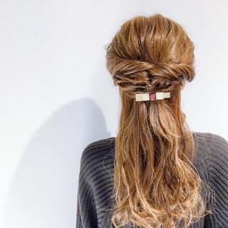 オフィス アウトドア エレガント 簡単ヘアアレンジ ヘアスタイルや髪型の写真・画像