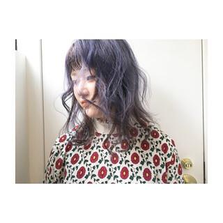 グレーアッシュ パープル オリーブアッシュ ナチュラル ヘアスタイルや髪型の写真・画像