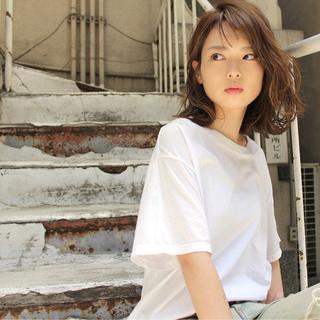 シースルーバング パーマ 大人女子 ストリート ヘアスタイルや髪型の写真・画像