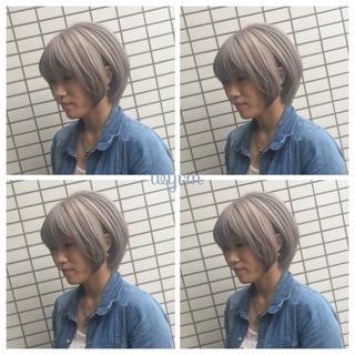 グレー シルバー 外国人風カラー モード ヘアスタイルや髪型の写真・画像