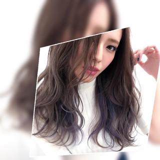 インナーカラー セミロング アッシュ ラベンダー ヘアスタイルや髪型の写真・画像
