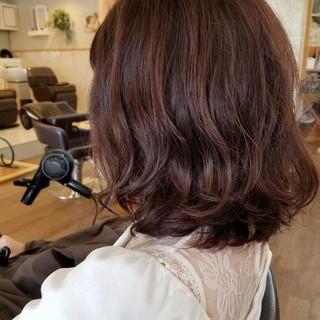 ロブ フェミニン ミディアム エフォートレス ヘアスタイルや髪型の写真・画像 ヘアスタイルや髪型の写真・画像