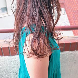 透け感ヘア セミロング ナチュラル ベージュ ヘアスタイルや髪型の写真・画像