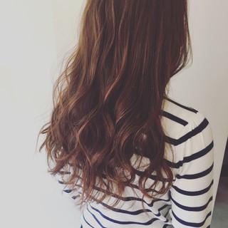 セミロング フェミニン ブラウン 外国人風 ヘアスタイルや髪型の写真・画像