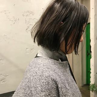 モード ボブ ウェットヘア リラックス ヘアスタイルや髪型の写真・画像