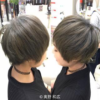 モード アッシュグレージュ かっこいい アッシュ ヘアスタイルや髪型の写真・画像