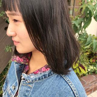 ミディアム ナチュラル デート アンニュイほつれヘア ヘアスタイルや髪型の写真・画像