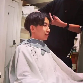 センターパート ショート 坊主 センター分け ヘアスタイルや髪型の写真・画像