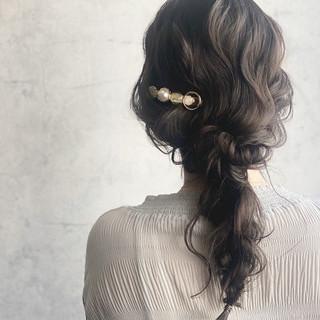 グレージュ 編みおろしヘア ロング アッシュグレージュ ヘアスタイルや髪型の写真・画像